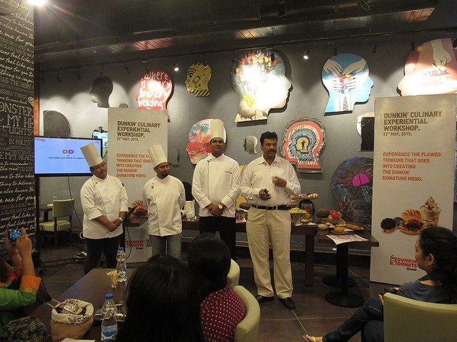 1-Dunkin-Donuts-Officials-and-Chefs-at-Phoenix-Mall-Chennai-r
