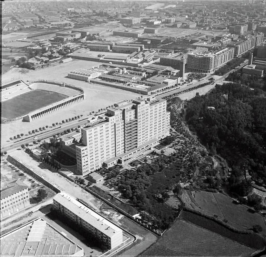 Vista casa grande 1960 vista a rea centrada en la reside flickr - Casa grande zaragoza ...