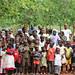Sapia_vue d'ensemble des enfants de sapia lors de la ceremonie de remise officielle du centre de sante