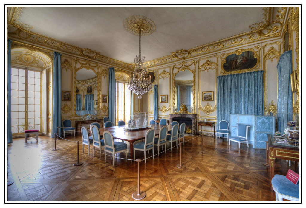 The Porcelain Dining Room Palace Of Versailles France