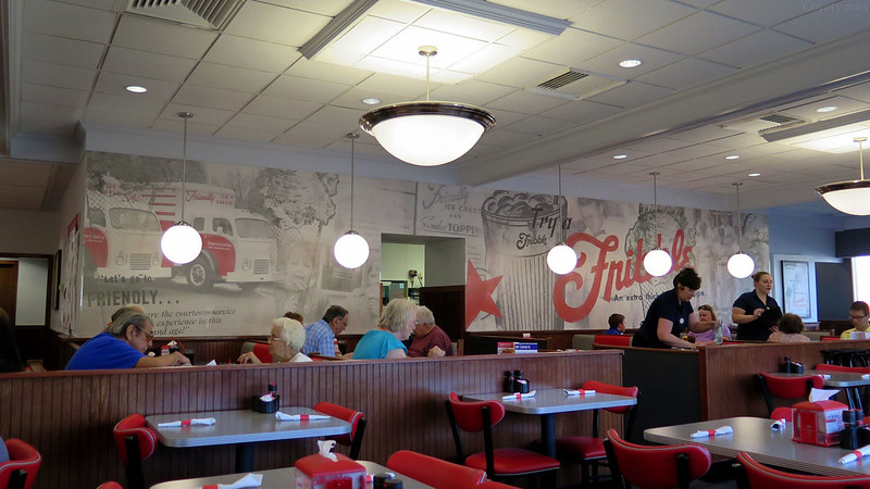 Friendly's interior