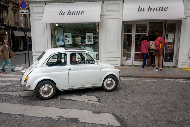 Adorable old Fiat, Paris