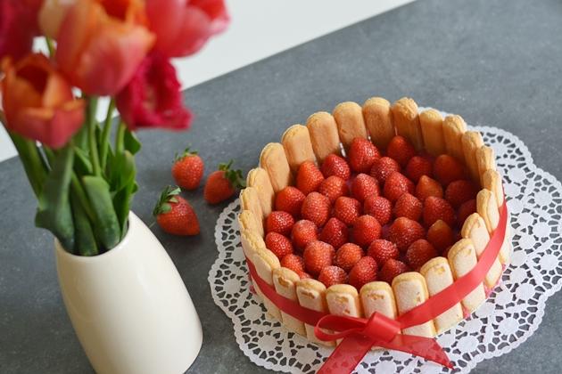 Eugli Food Erdbeer Charlotte Foodporn Blogger