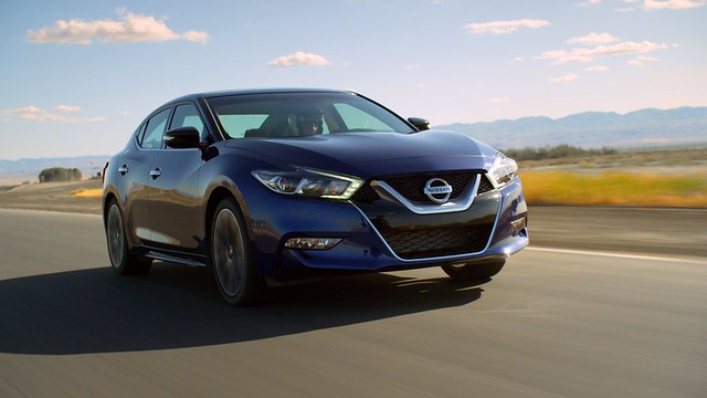 2016 Nissan Maxima SR bests field of luxury sports sedans in testing at Buttonwillow Raceway Park