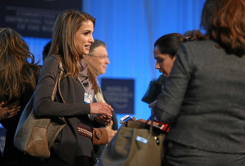the global development outlook h m queen rania davos. Black Bedroom Furniture Sets. Home Design Ideas