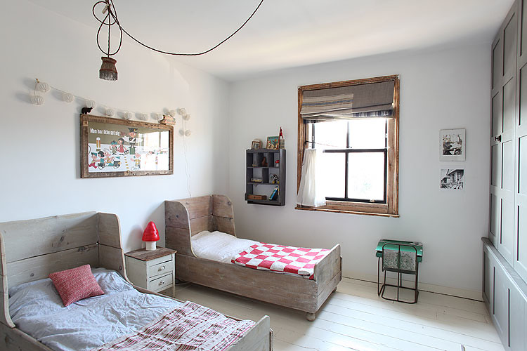 Toddler Bed Ideas For Small Room