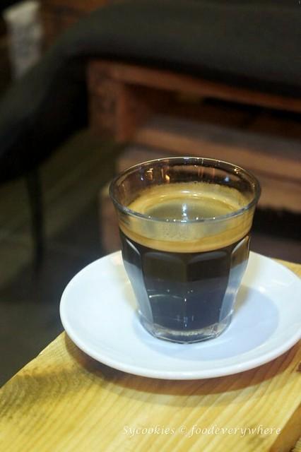 2.dlee deli cafe