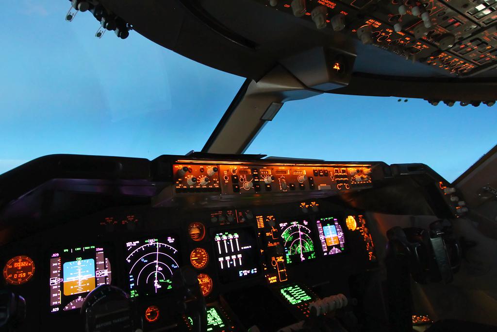 Lufthansa Boeing 747-4...