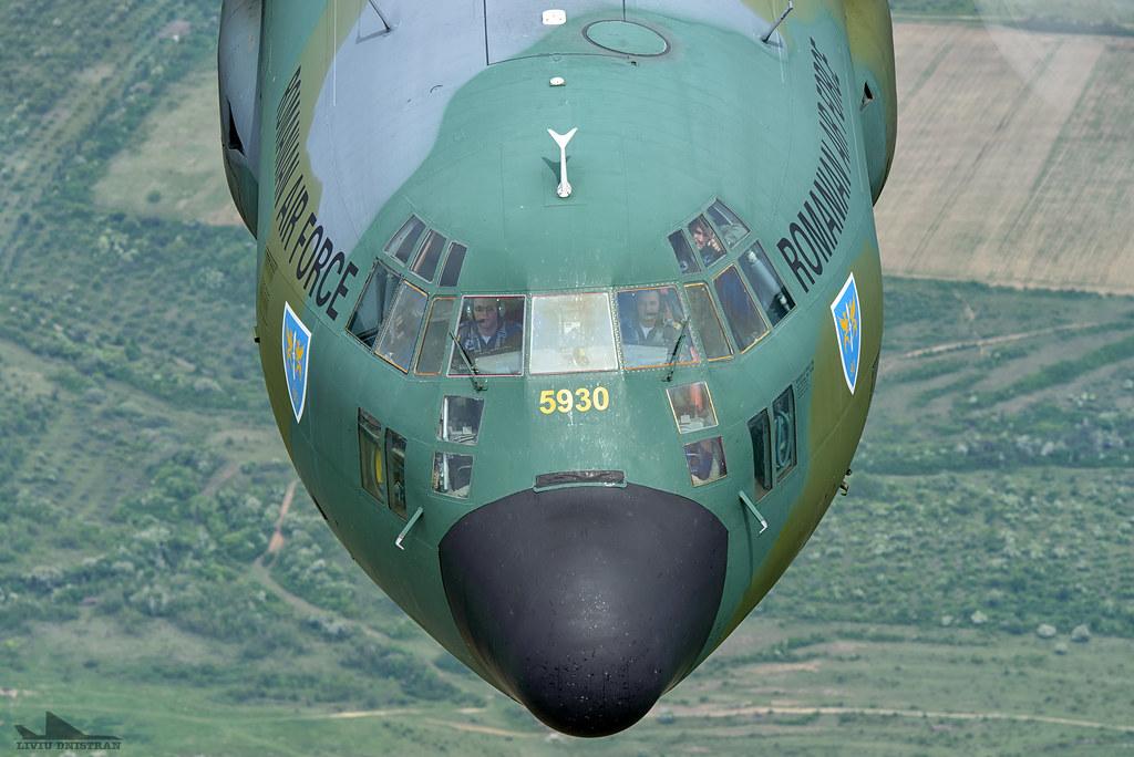 RoAF C130 Hercules in zbor 17374714498_04d4d06fd7_b