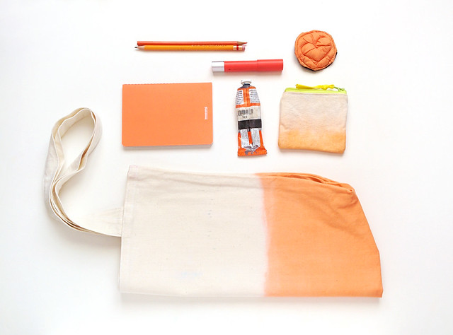 orange tote and coin purse. ziazia.