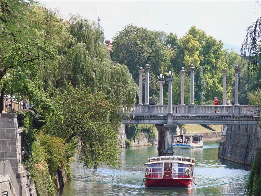 La rivi re ljubljanica et le pont des cordonniers ljublja for Architecte 3d wikipedia