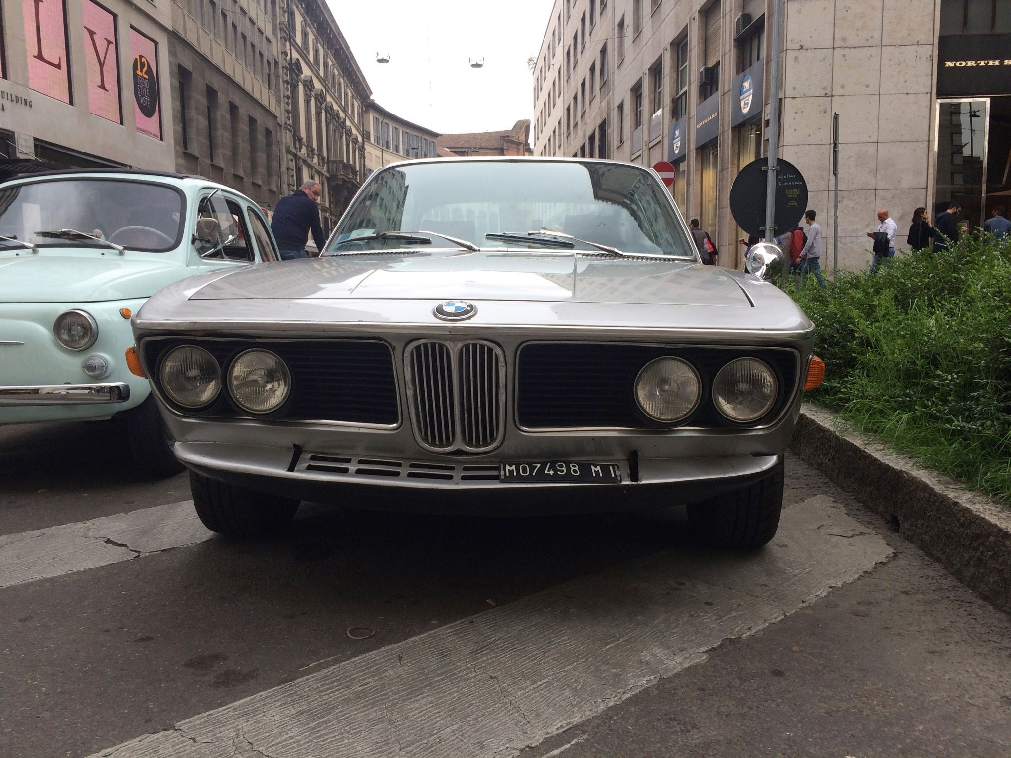 VWVortex.com - Saw a nice old BMW in Milan, was this model available ...