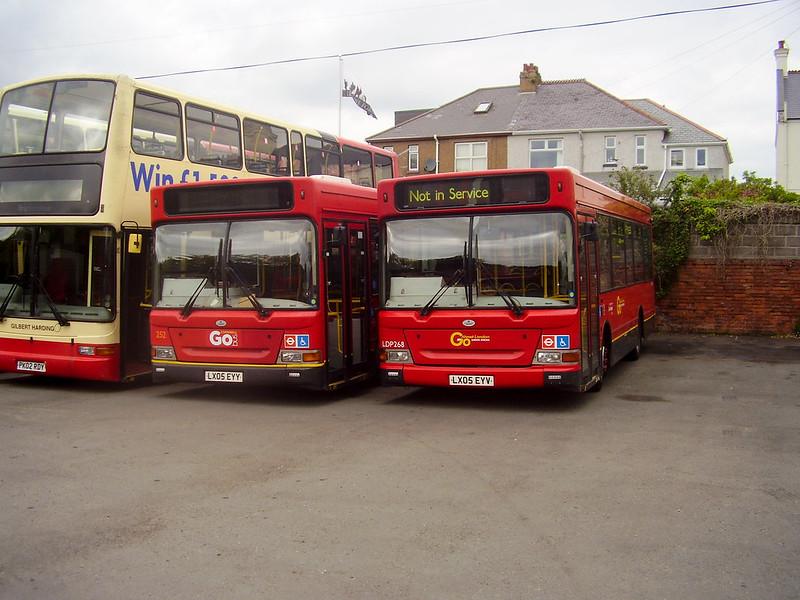 Plymouth Citybus 252 LX05EYY LX05EYV
