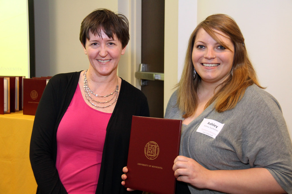 University Of Minnesota School Of Public Health - Ashley Suchomel, MPH student, with Professor Traci Toomey | Flickr ...