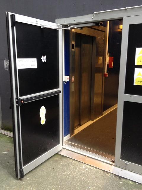 Porte ouverture automatique brest fr29 flickr photo sharing - Ouverture porte garage automatique ...