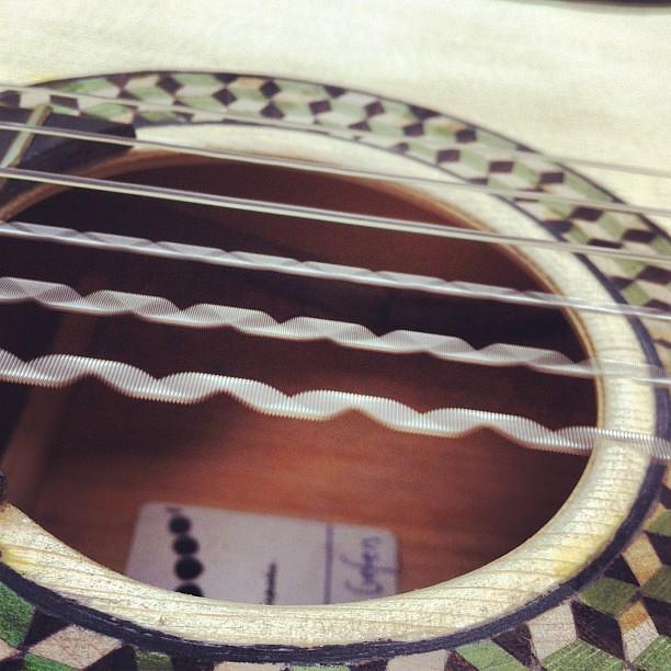 vibrating strings spanishguitar guitar strings vibr flickr. Black Bedroom Furniture Sets. Home Design Ideas