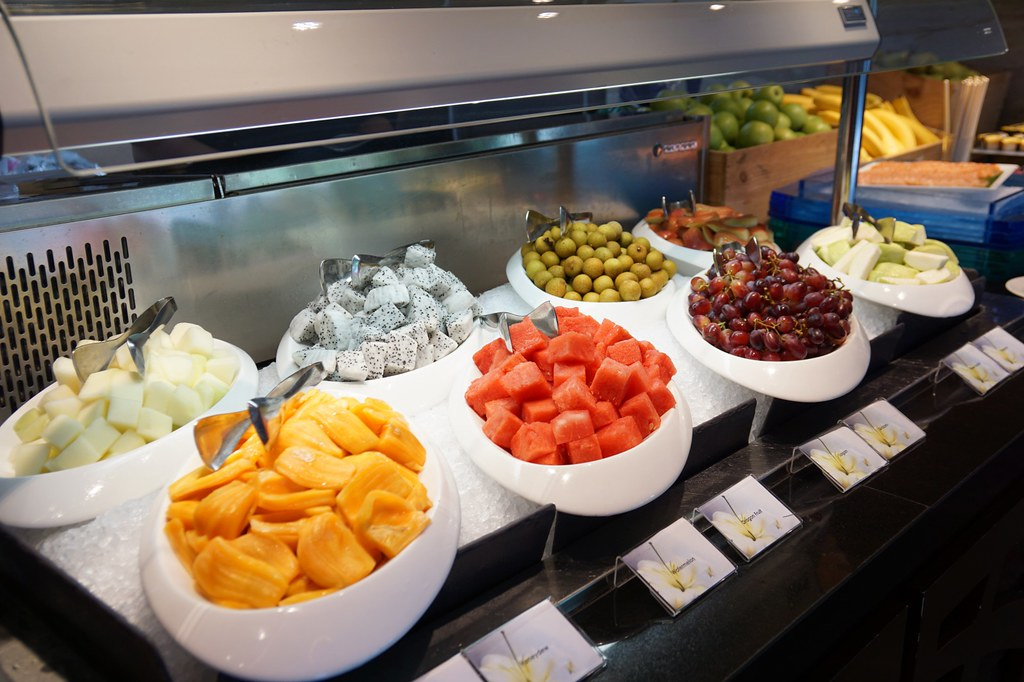 buffet breakfast, lunch, dinner - Flavours, Ramada Singapore-002