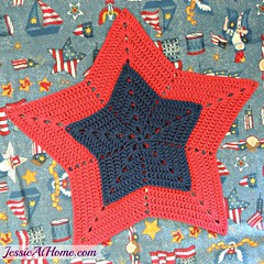 Star-Centerpiece-and-Trivet-Free-Crochet-Pattern-by-Jessie-At-Home