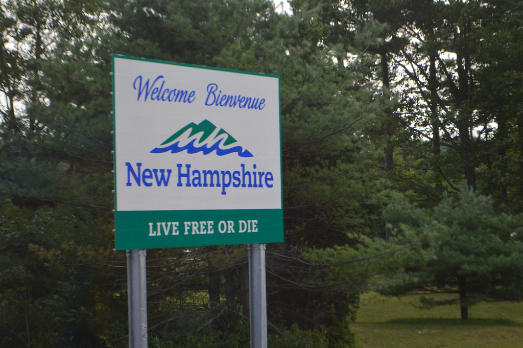 Welcome Bienvenue New Hampshire Quot Live Free Or Die Quot Sign At