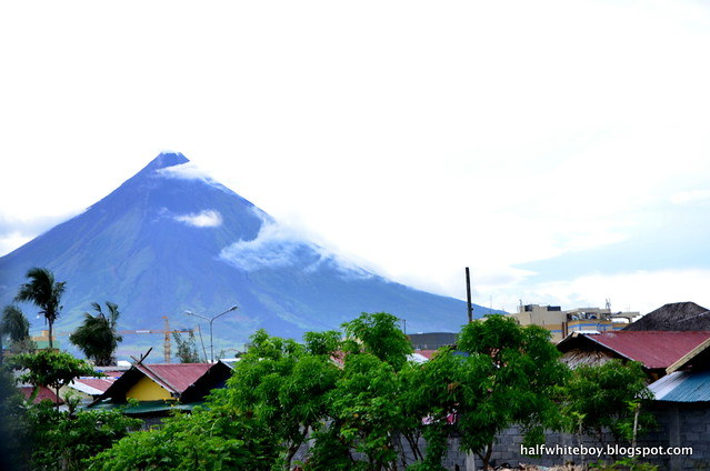 07 mayon legazpi on the road
