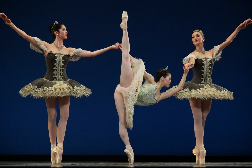 Boston Ballet's Thrill of Contact - Theme and Variations
