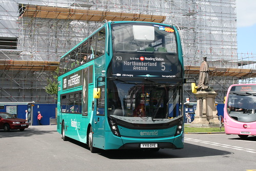 Reading Buses 763 on Route 5, Reading Station