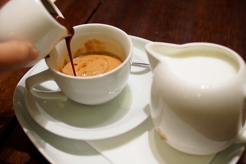 Lindt Chocolate Cafe, Collins Street, Melbourne - hot chocolate