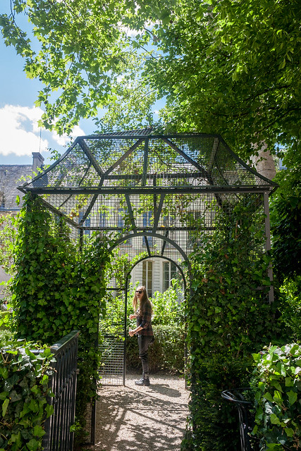 Gorgeous garden, Paris