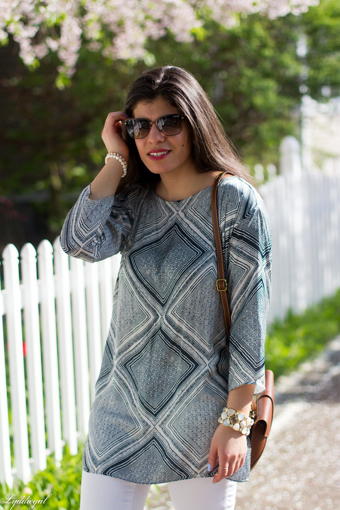 blue and white printed tunic, white jeans-4.jpg