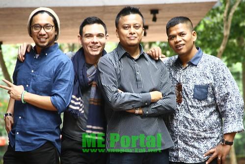 Kumpulan Brothers Tampil Dengan Sabar