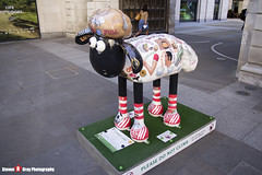 LITERARY LAMB No.24 - Shaun The Sheep - Shaun in the City - London - 150512 - Steven Gray - IMG_0429