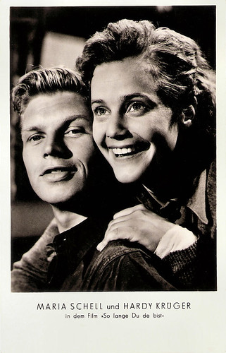 Maria Schell and Hardy Krüger in So lange Du da bist (1953)