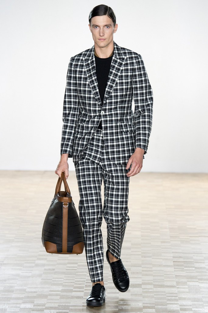 SS16 London Hardy Amies010_Charlie Timms(VOGUE)