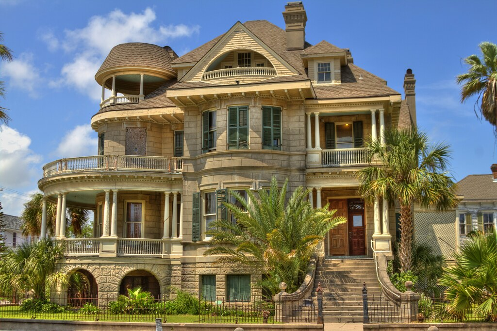 Vacant Galveston Mansion This Wonderful Old Mansion Sits