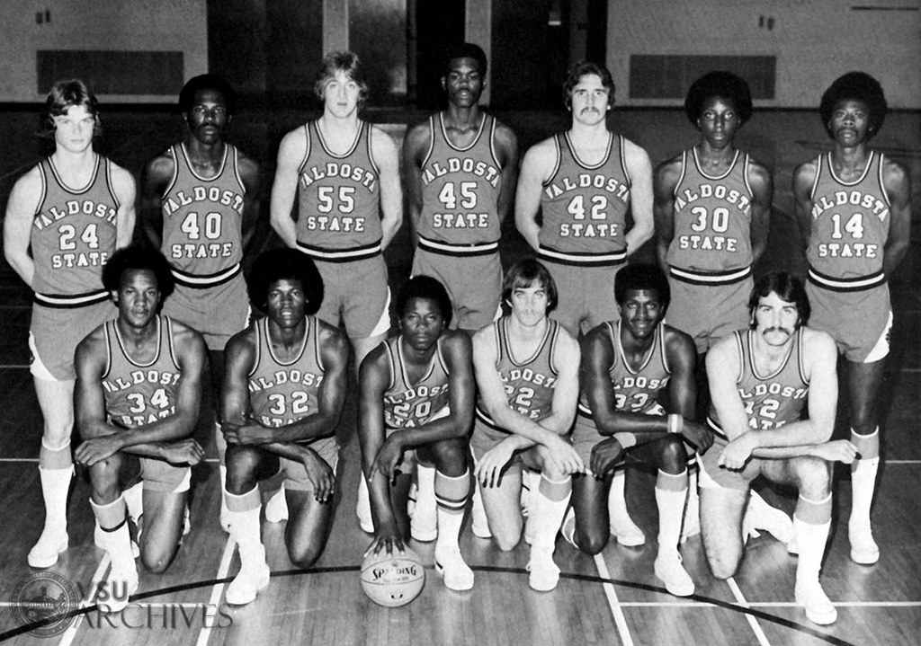 Pc1977_p208-001 U0026quot;Blazer Basketball Team 1977u0026quot; | Title ...