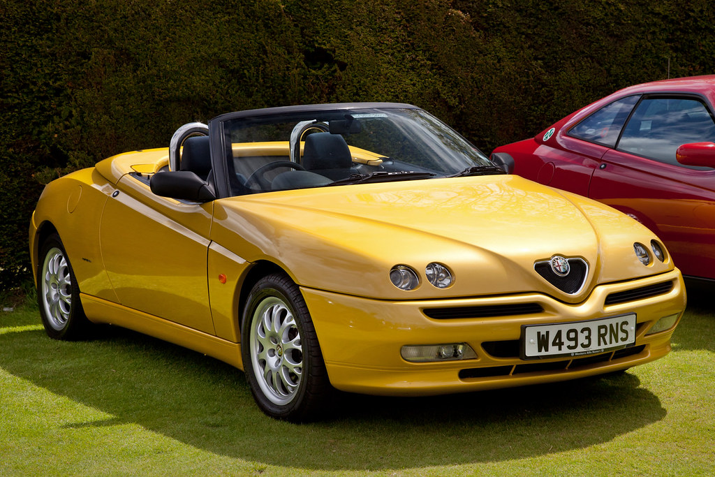 alfa romeo gtv spider yellow 2000 alfa romeo gtv spider. Black Bedroom Furniture Sets. Home Design Ideas