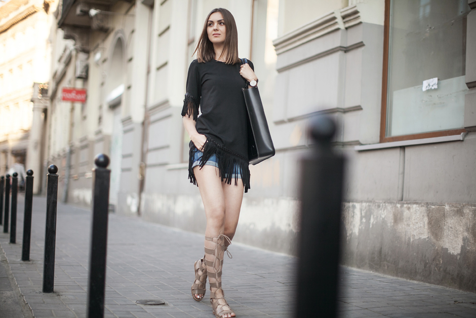 knee-high-zara-gladiators-sandals-outfit-blogger