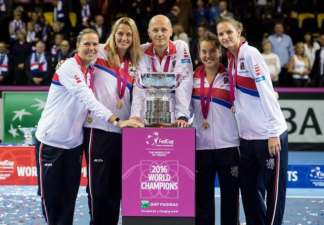 Lucie Hradecka, Petra Kvitova, Petr Pala, Barbora Strycova and Karolina Pliskova (click to enlarge)