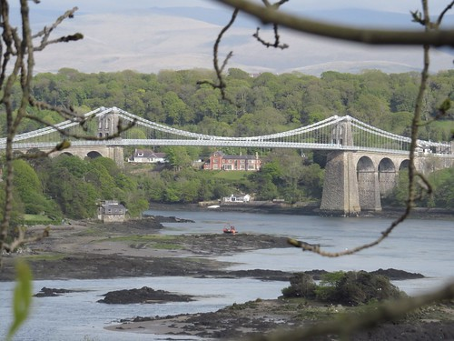 1022 Menai Bridge over the Menai Straits