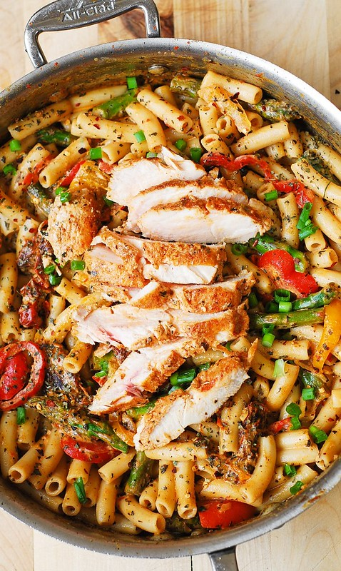 pasta with chicken, pasta with vegetables, Italian pasta