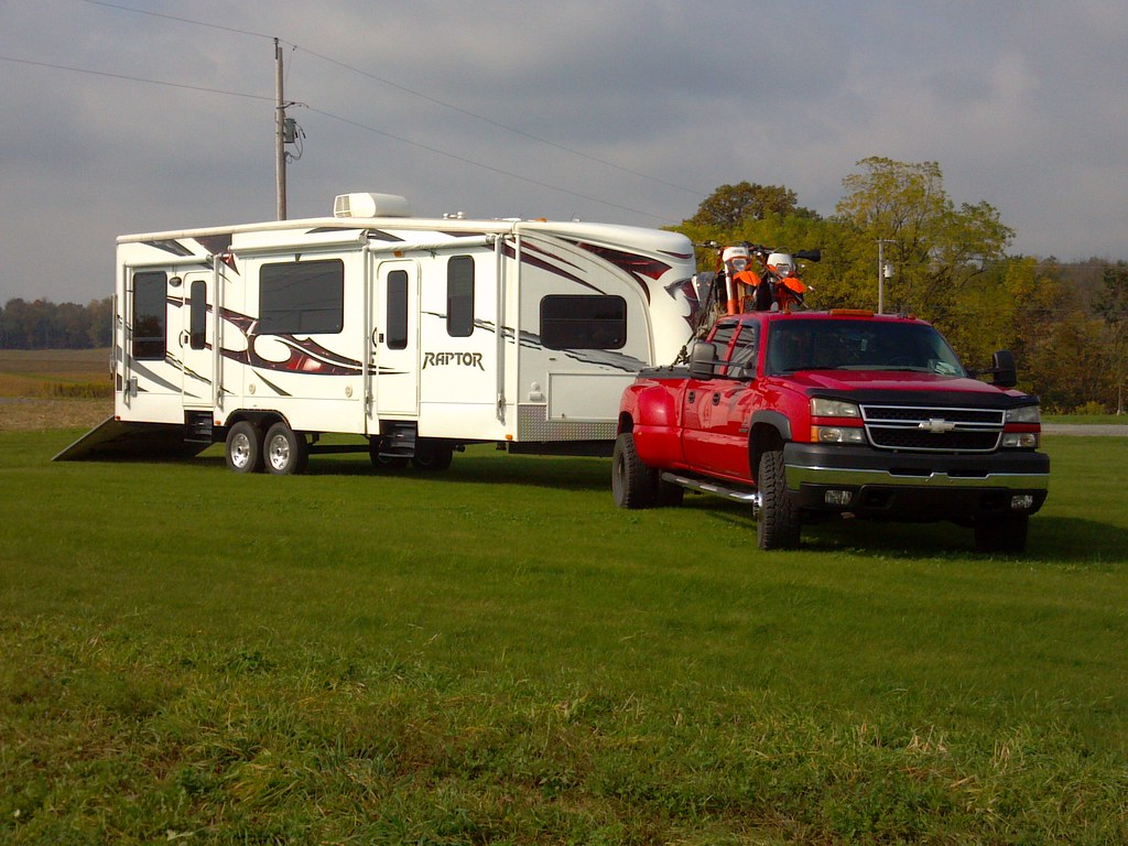 red chevy pickup pulling trailer and carrying dirt bikes o flickr. Black Bedroom Furniture Sets. Home Design Ideas