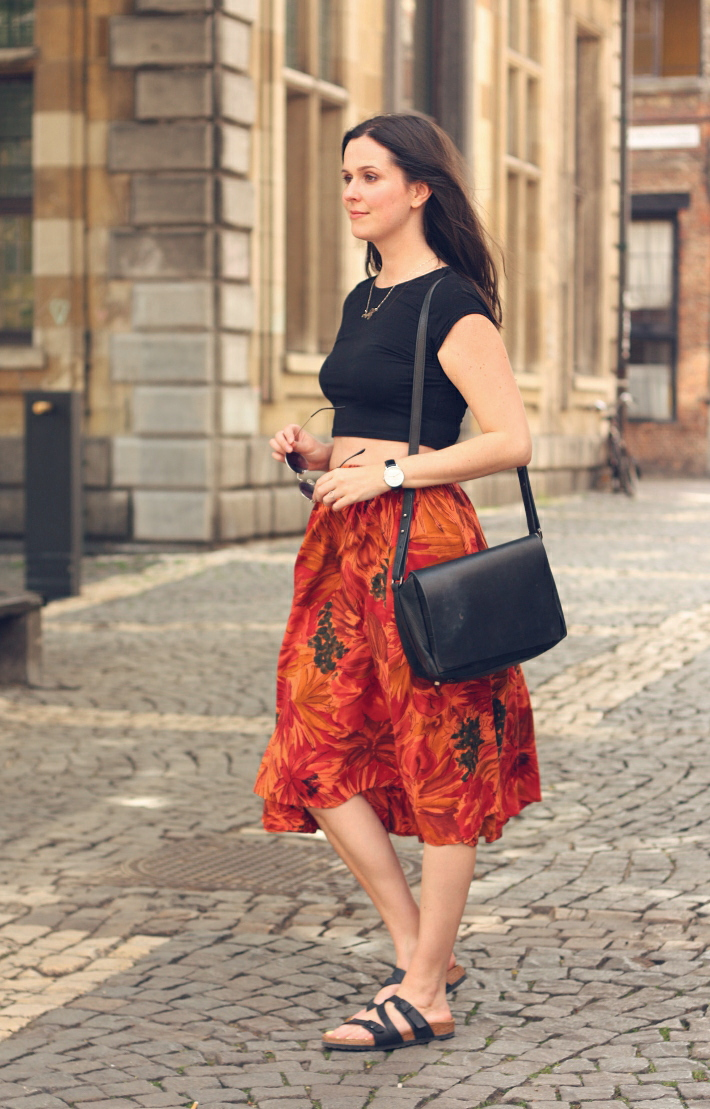 outfit: crop top, vintage floral midi skirt and Salina Birkenstocks