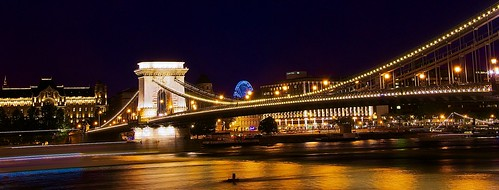 Illumitated Budapest chain bridge at night