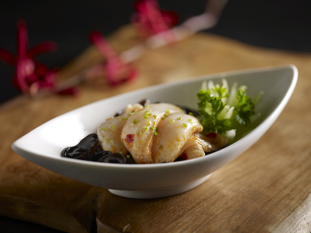 Fine Chinese Cuisine Marina Bay Sands - Chilled Bamboo Clam in Chili Sauce with Black Fungus