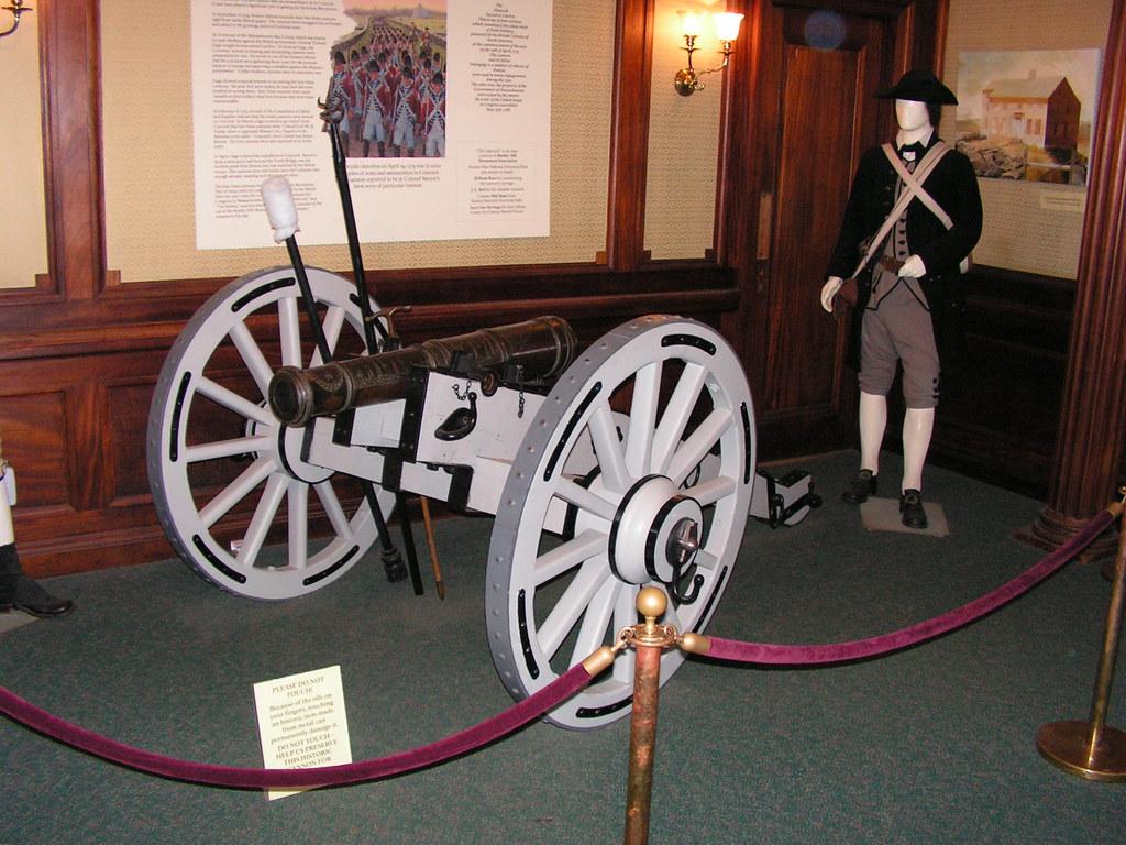 Revolutionary War Cannon Display North Bridge Visitor