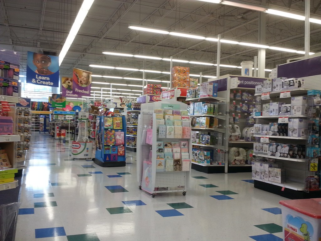Toys r us interior toys r us 8360 43 113 square feet 12 flickr - Maisonnette toys r us ...