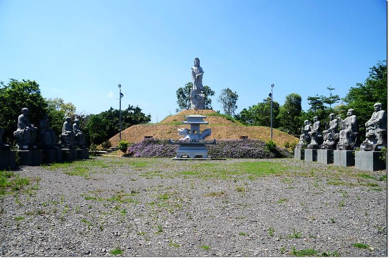 曼陀山露營公園觀音及十八羅漢像