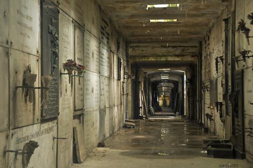 Underground - Graves