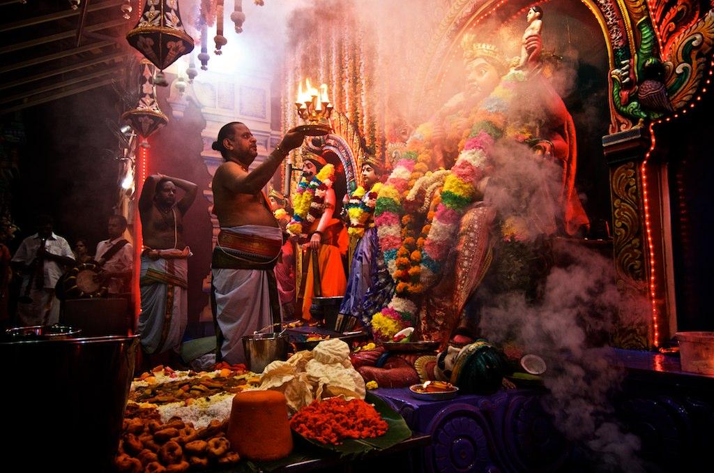 Aadi Pooram Ritual in Sri Vadapathira Kaliamman Temple, Singapore ...