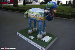 OUT OF THIS WORLD No.22 - Shaun The Sheep - Shaun in the City - London - 150512 - Steven Gray - IMG_0407